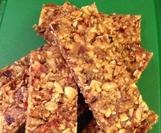 Recipe No bake, no nut, Lunchbox Muesli Bar by ChantelTHL - Recipe of category Desserts & sweets