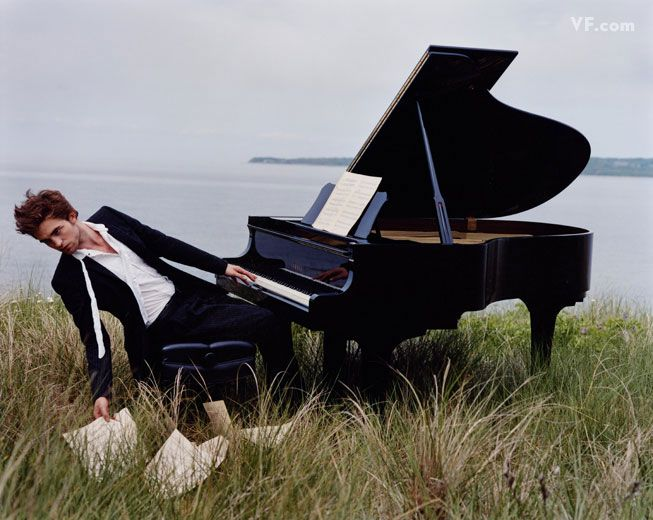 not a twilighter but I do love a man who plays piano...