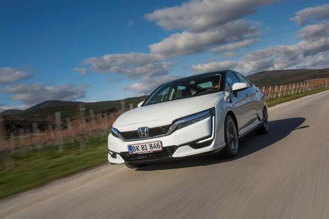 #corporate #green #technology #honda #clarityfuelcell #cop23 Hondas Clarity Fuel Cell vehicles to provide zero-emissions shuttle at COP23 What's new on Lulop.com http://ift.tt/2zCYQob