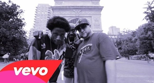 "(Video) Statik Selektah Ft. Joey Bada$$ & Freddie Gibbs – Carry On- http://getmybuzzup.com/wp-content/uploads/2014/08/statik-selektor.jpg- http://getmybuzzup.com/statik-selektah-ft-joey-badass/- By DJTripleThreat Statik Selektah gather's Joey Bada$$ and Freddie Gibbs to bring us the visual for ""What Goes Around"". Take a look at the video after the jump!  DJ Triple Threat : Twitter 