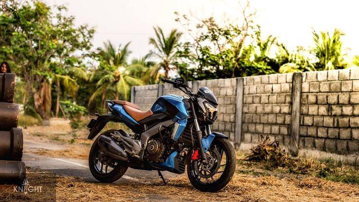 #Bajaj #Dominar400 gets Gloss Metallic Blue custom wrap