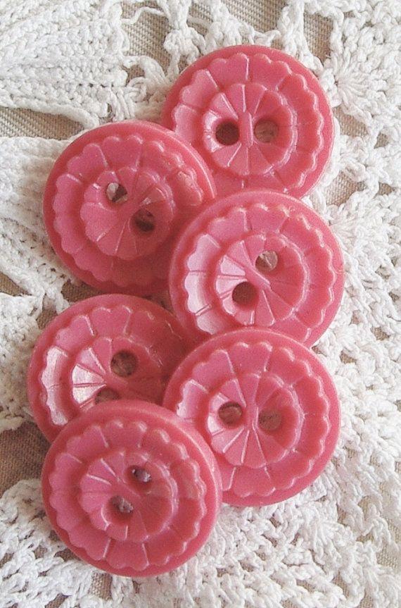 Vintage Buttons - Pink Plastic Pretties