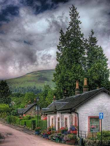 Loch Lomund Cottage, Scotland