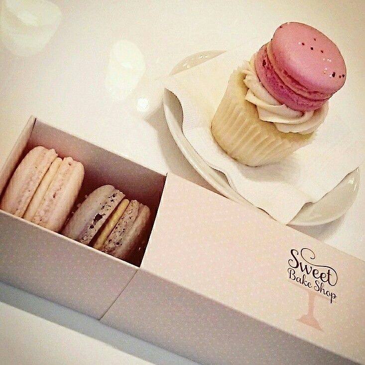 Just opened this summer, Tessa Sam's beyond-pretty bake shop brings champagne-flavoured macarons and ombré-frosted birthday cakes to Vancouver's Yaletown neighborhood. #etsy #cityguide #vancouver