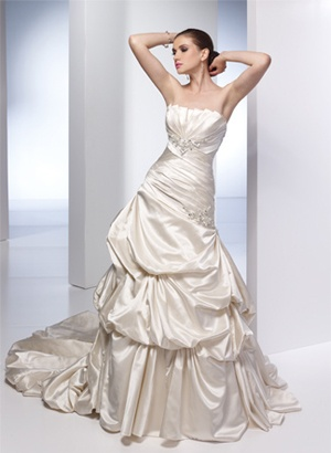 80281dea269dc2fd1cc66937dfe117a3 yes to the dress bridal style