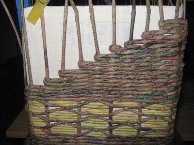Zešikmení stran koše :: Moje pletení z papíru Hanča Čápule