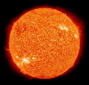 Il Sole ripreso in falsi colori dal Solar Dynamics Observatory della NASA nella banda dell'ultravioletto.