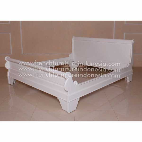 Sell Louis Philippe Sleigh Bed Low Footboard from Reproduction Furniture Manufacturer. We are reproduction furniture 100% export Furniture manufacturer with french furniture style and good quality finish. This Bed is made from mahogany woods with high quality and good treatment process. #WhiteFurniture #ExporterFurniture #FrenchFurniture #FurnitureWarehouse #WholesaleFurniture