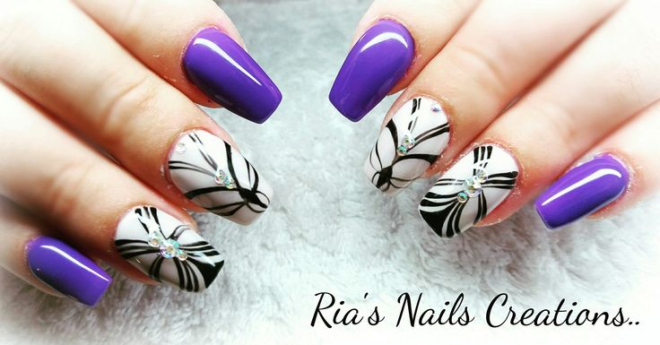 Purple nails design