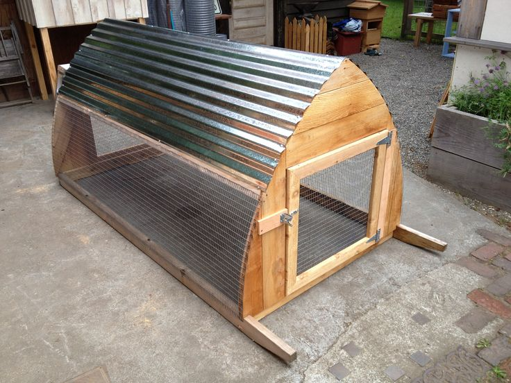 Rabbit hutch or maybe a chicken tractor back yard for How to make a rabbit hutch from scratch