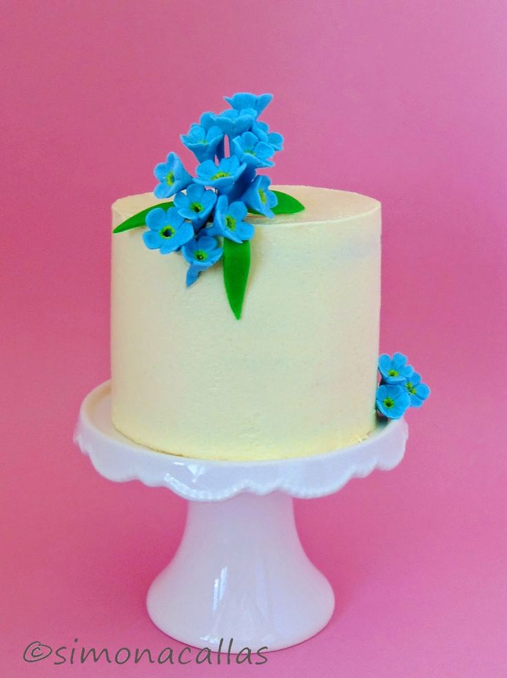 Forget-Me-Not Cake by simonacallas