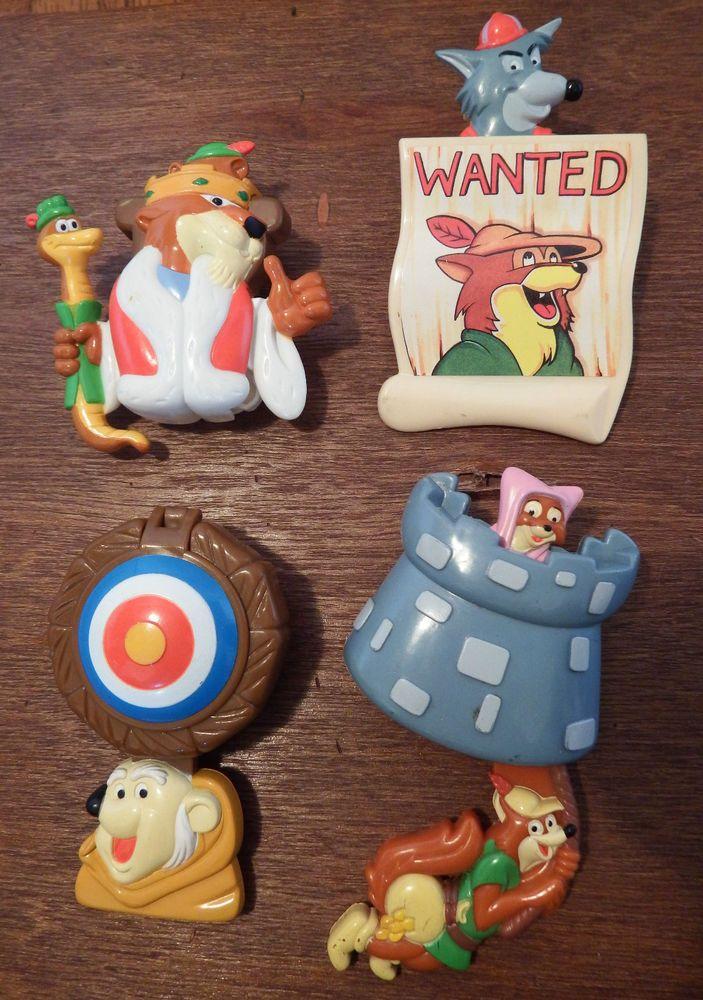 RARE Disney Robin Hood Friar King John figure toy play set clip on moving badges