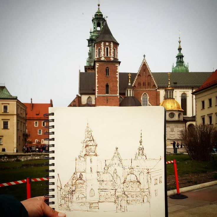 Wawel #wawel #krakow #poland #travelanddraw #travel #cathedral #sketch #diariografico #europe #oldtown #sketchbook #urbansketch #backpacking #interrail #draw #drawing