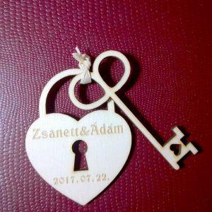 Save the Date fa tábla #esküvő #savethedate #fa #egyedi #wedding #wooden #unique #heart #padlock #key