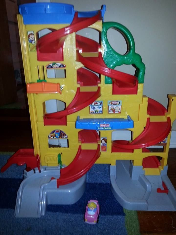 Fisher Price Little People Wheelies Race Track Ramp Garage Car