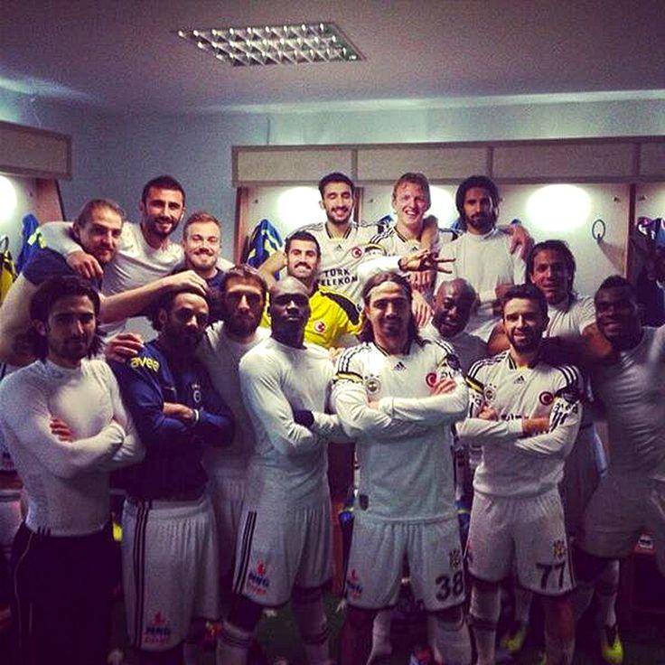 Fenerbahce football player together with the family #Fenerbahce #BizBirAileyiz #BizFenerbahceyiz