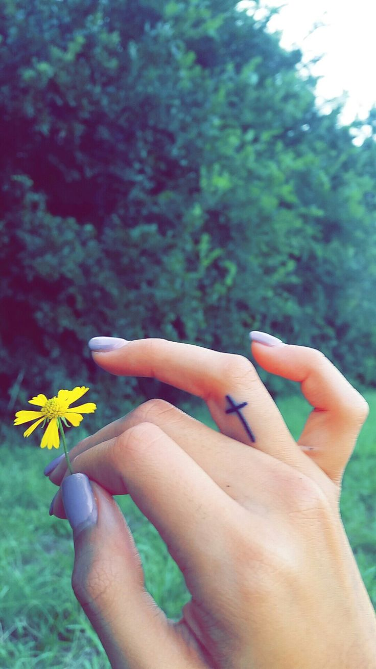 I've been wanting this for years. #finger #cross #tattoo #tat #simple #small