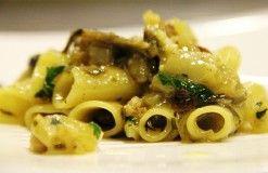 http://www.lucianopignataro.it/a/ricetta-gennaro-esposito-past-con-trippa-di-baccala-e-carciofi-arrostiti/73800/