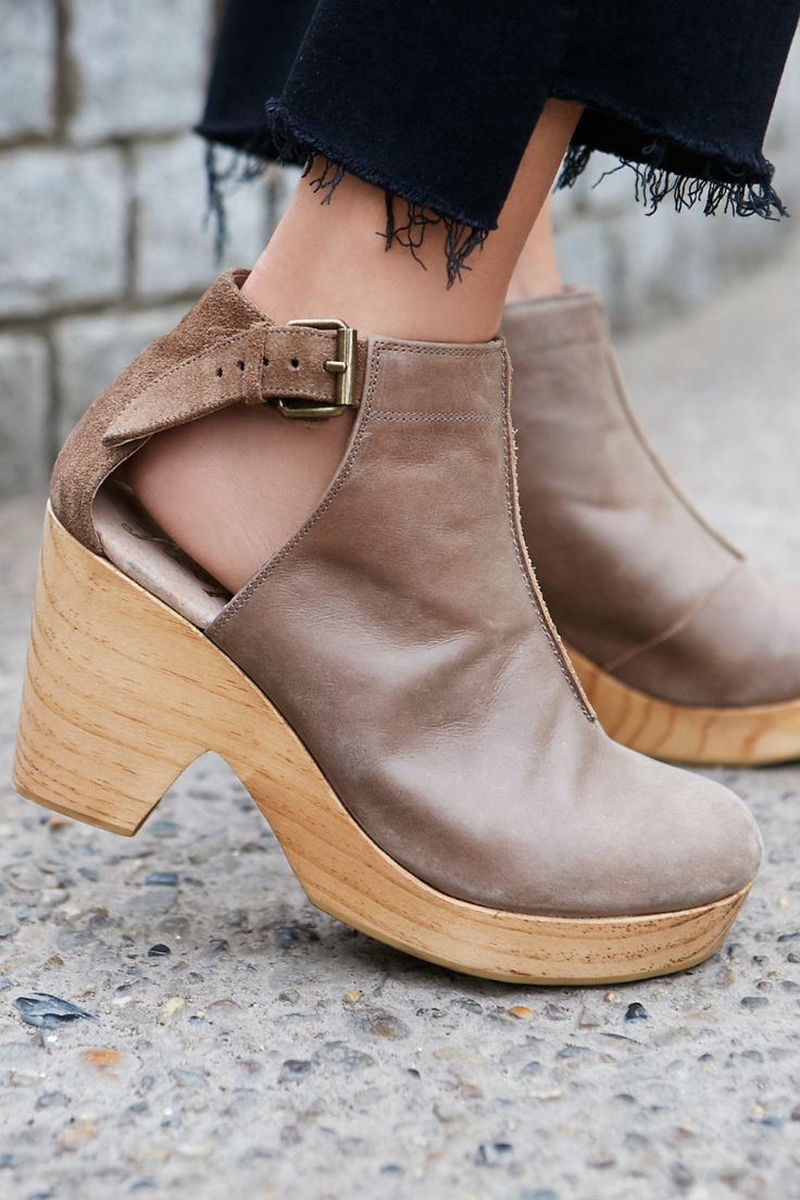 Free People Amber Orchard Clog | ROOLEE