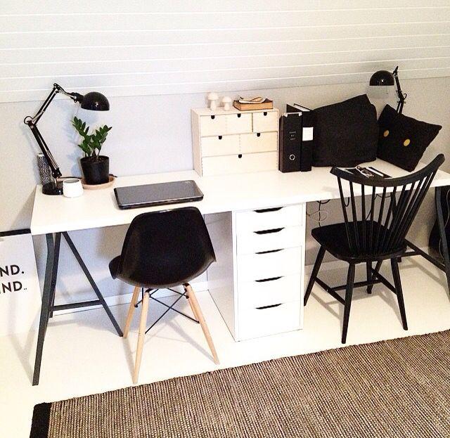 Skrivebord - fedt ide med skuffe i midten! Ikea