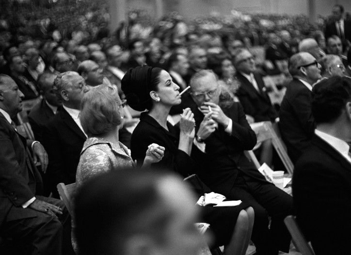 The Swans of Society: Gloria Guinness | Smoking Room ...