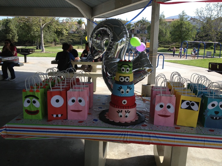 Yo Gabba Gabba Cake and Goody Bags display table for my daughters 2nd Birthday Party. Themed creative decor made her birthday party THAT much more special!
