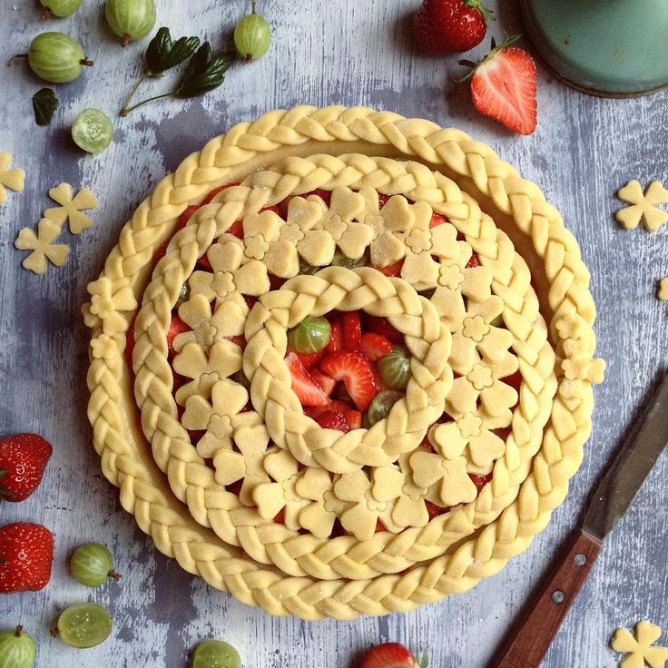 138 best pastry crimping pie decoration images on for Apple pie decoration
