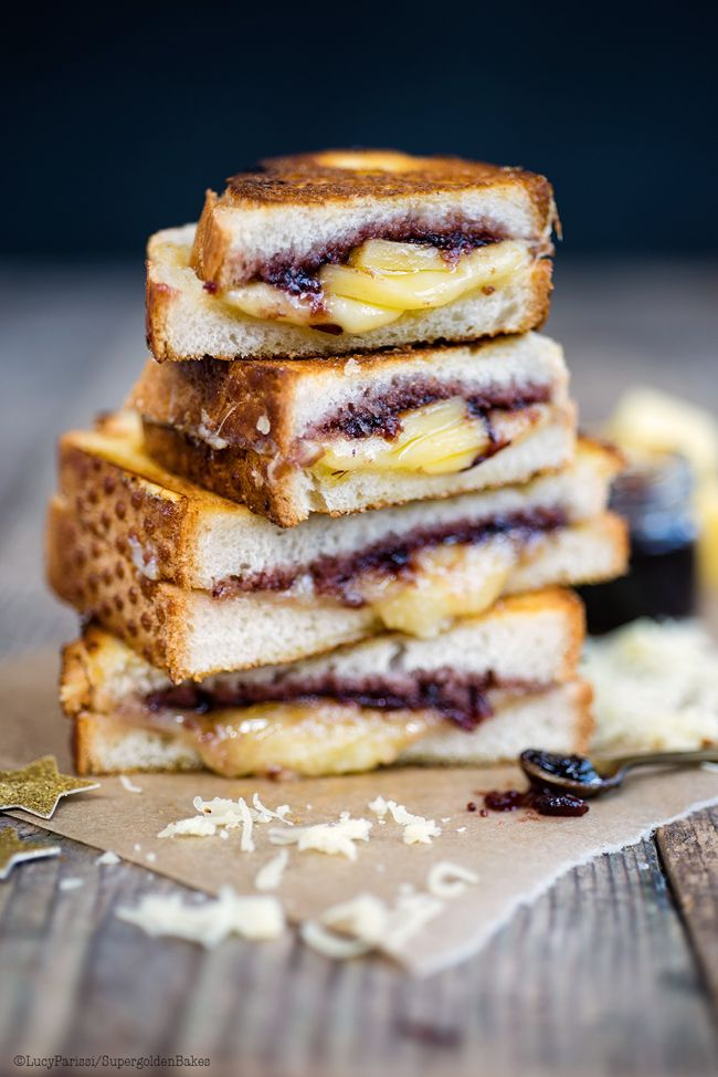 Comté grilled cheese sandwich with cranberry relish – delicious as a snack or even a Christmas canapé | Supergolden Bakes