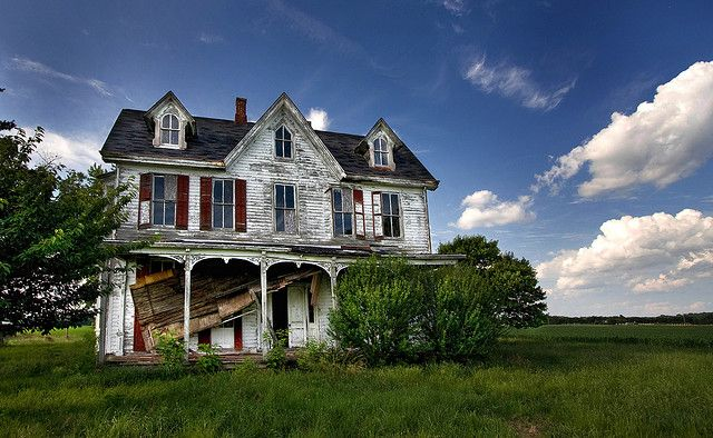 """""""Abandoned House - Maryland's Eastern Shore"""" -- [located in *Chestertown, Kent County, Maryland*]~[Photograph by crabsandbeer (Kevin Moore) (Kevin B. Moore) - June 14 2009]'h4d-244.2013'"""