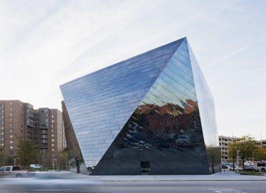 MOCA_Cleveland_Exterior_Euclid Ave_2