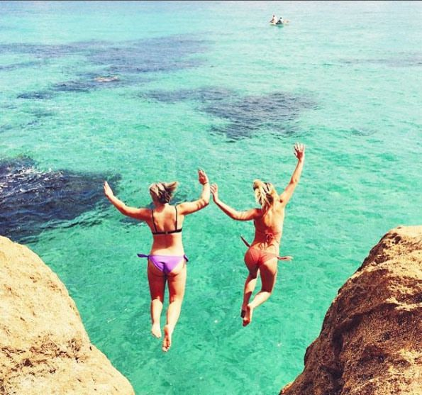 Cliff jumping at the Pillars, Mount Martha. Mornington Peninsula, Victoria, Australia. Photo: AshleyNLincoln