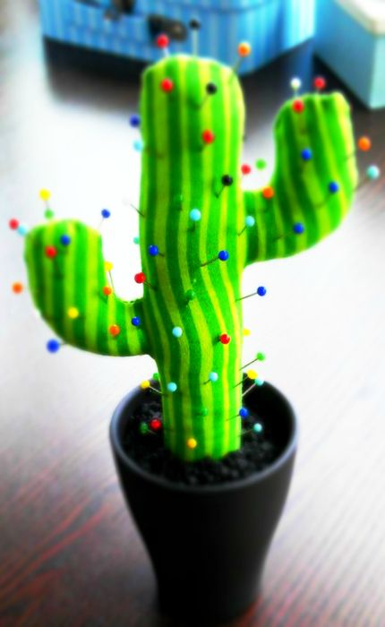 Love the homemade Cactus pin cushion! Would make a great table piece or gift. I would just add a flower on top.