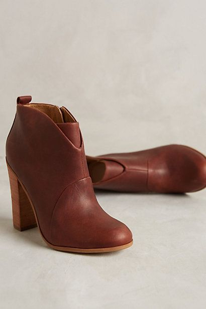 Arrici Erica Booties - on sale! Perfect with skinny jeans and oversized sweaters this fall! #anthrofave
