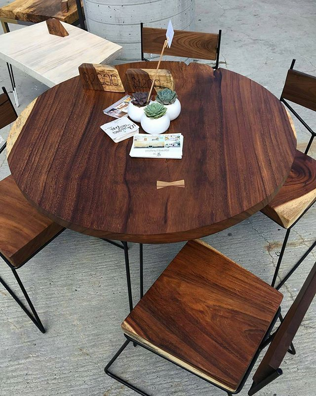From @beardedbowtie. How can we get a-round to sitting when we keep staring at the table?  Tag a friend who'd love this! #bestIGwoodworking