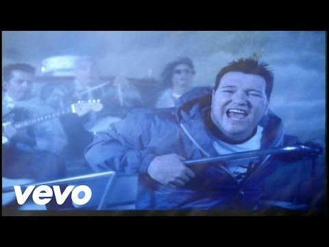 Music video by Smash Mouth performing I'm A Believer.YouTube view counts pre-VEVO: 2,508,950. (C) 2001 Interscope Geffen (A&M) Records A Division of UMG Reco...