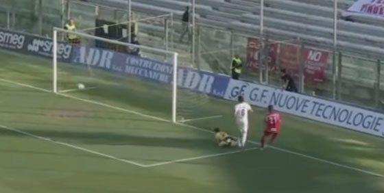 Nuevas sospechas de amaño en el fútbol italiano | Fútbol | EL MUNDO http://www.elmundo.es/deportes/futbol/2017/04/15/58f1359c468aebd2568b457d.html
