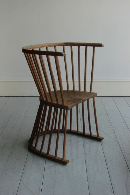 FLIP Garden Chair - Traditional spindle-back chair of bent beech and ash with a double-sided scoop seat that can be turned over after a summer shower!