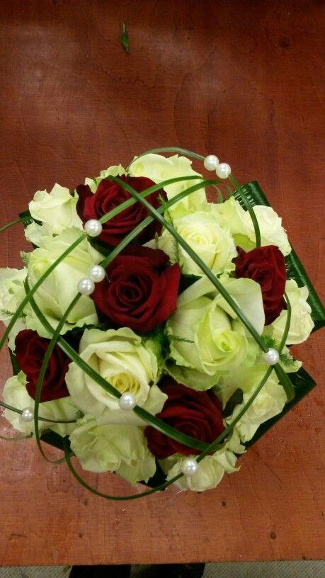 bruidsboeket rood wit met rozen #bloembinderijbloem