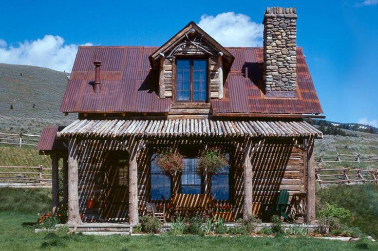 swedish-guest-cabin-1