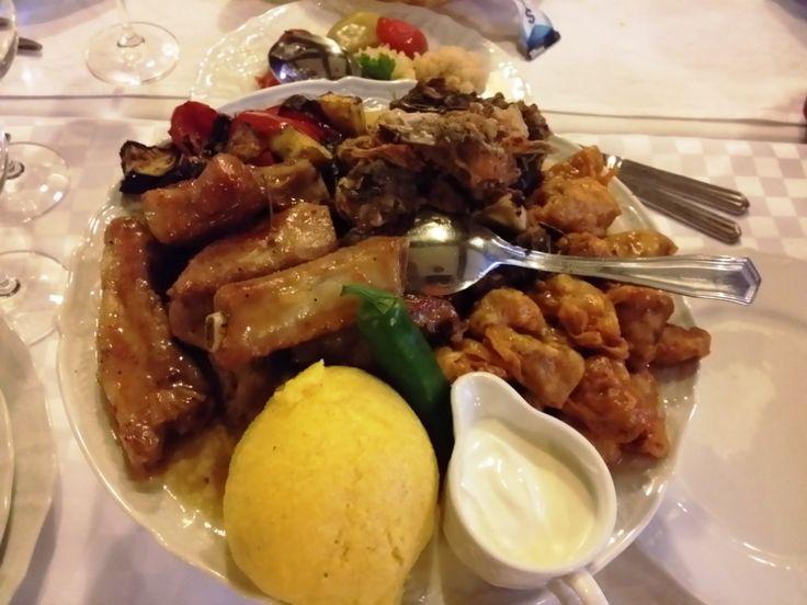 Restaurant moldovenesc Vatra Neamului (Balotesti) | Restograf - Restaurante Bucuresti - Topul Restaurantelor din Bucuresti