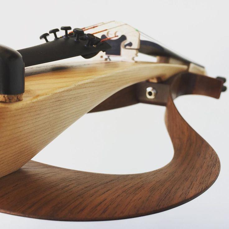 Yamaha YEVs are back! We just got a huge shipment in and we're setting them up as fast as we can. . . @yamaha.bandandorchestra @yamahamusicusa #yev #yamahayev #yamahaviolin #violin #violinist #violinplayer #instrument #violon #violine #violino #скрипка #skrzypce #fiddle #fiddleplayer #violinistsofinstagram #violinpostss #instaviolin #electricviolin #electroviolin #musicstore #viola #cello #electricviola #electriccello #elettricviolin #violinelectrico #pinviolin