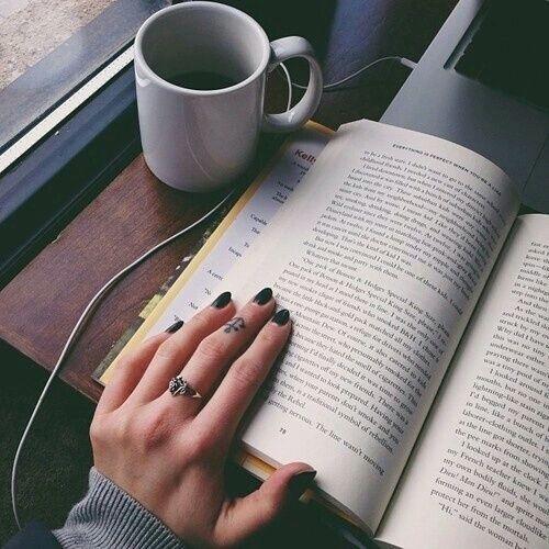 Fiecare persoană trebuie să se ocupe de valoarea sa intelectuală, nivelul de cultură generală pe care o deține, fapt ce poate fi reliefat prin lectură. Psihologul şi profesorul Daniel David a alcătuit o listă de 50 de cărţi esenţiale, ce contribuie la devenirea unei persoane culte, cu gândirea și imaginația dezvoltată.