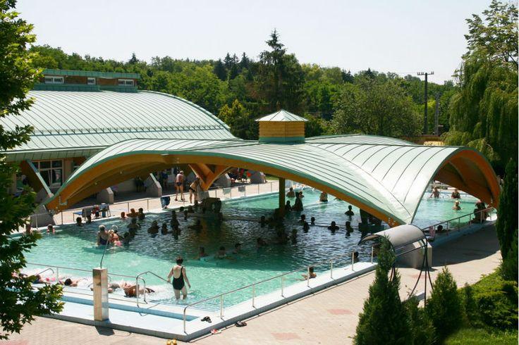 Az Igali-Gyógyfürdő a Dél- Dunántúl egyik legrégebben működő fürdője, a Balatontól mindössze 40 km-re délre.