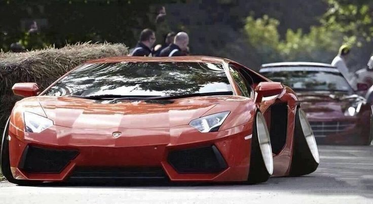 Lambo with negative camber angles!