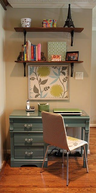 Nice little office set up for a craft or sewing room this would be perfect.