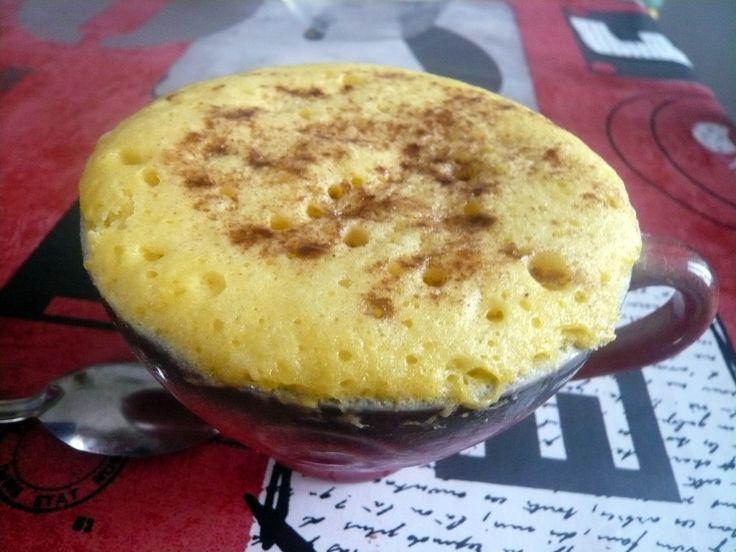 Recette numéro 2 dans la série des Mugs cakes : sans beurre, parfait pour la ligne!! Ingrédients : Pour une tasse : 1/2 citron 1 œuf 20 g de sucre 2 cl de lait 1/2 cuillère à café de levure 30 g de farine Étapes : Pressez le citron. Réservez le jus. Fouettez...