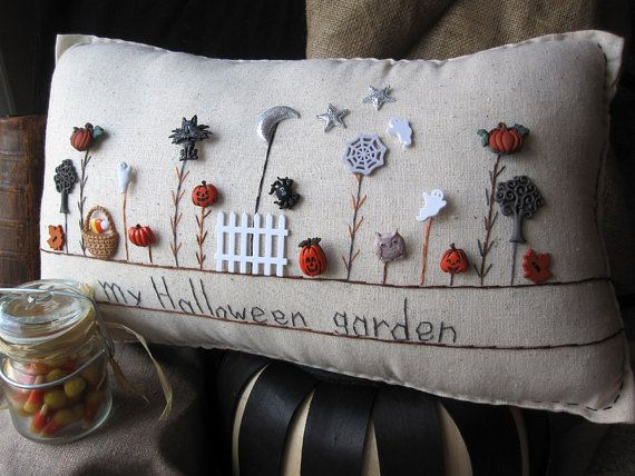 Halloween Garden Pillow Cottage Style by PillowCottage - cute!