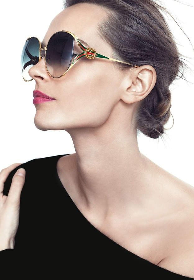 a11e99d2d0c Oval women sunglass by Gucci. Classic style. Sunglasses Gucci 0225S  gucci   guccisunglasses