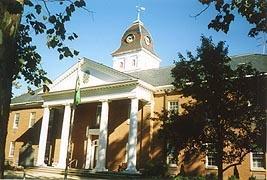 [photo, Caroline County Courthouse, 109 Market St., Denton, Maryland]