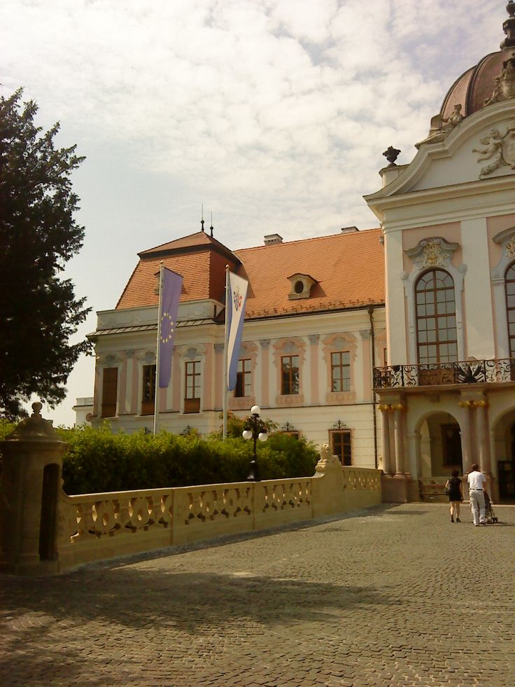 Royal Palace - Gödöllő (left side)
